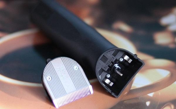 Як і яким маслом можна змащувати машинку для стрижки волосся