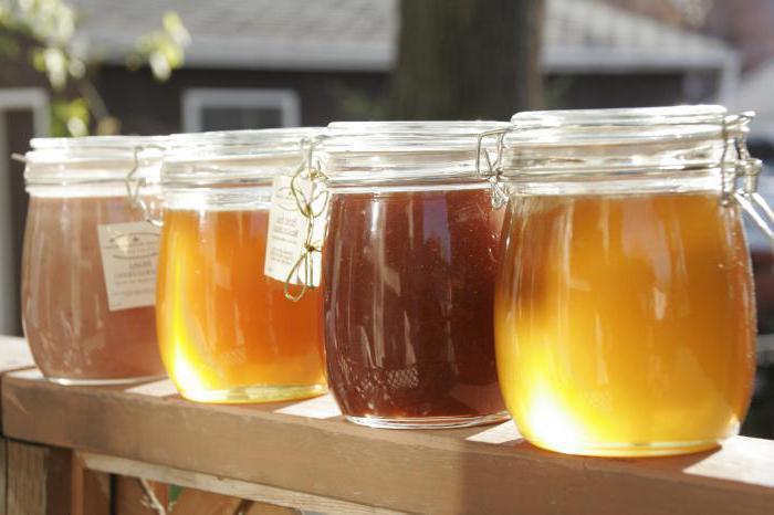 Чи можна додавати мед в гарячий чай?