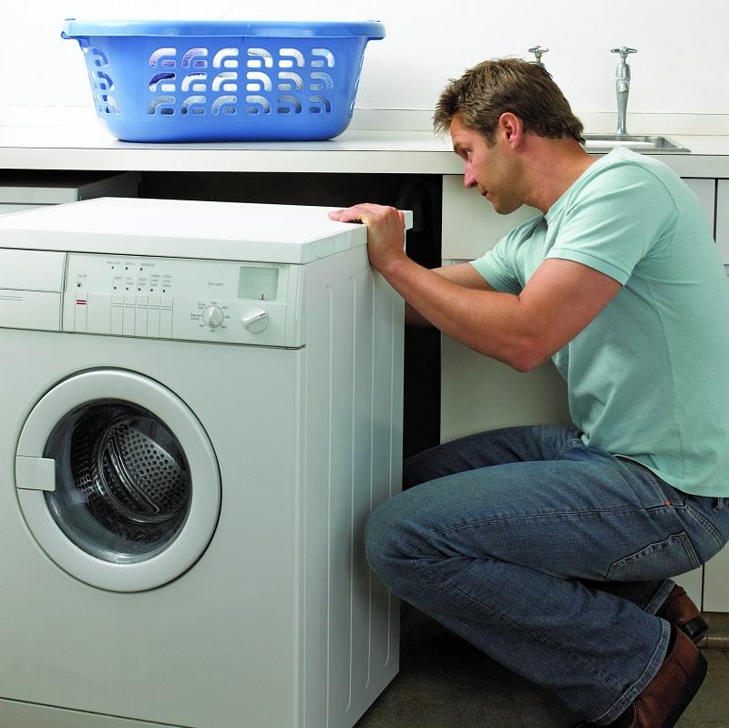 Чи можна пральну машинку перевозити лежачи: правила транспортування
