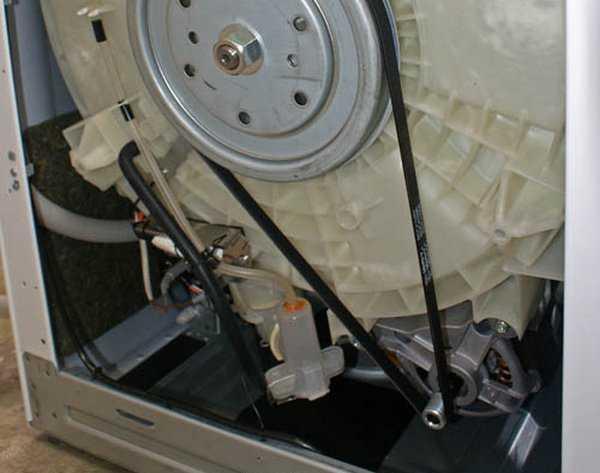 Чому злітає ремінь з барабана пральної машини?