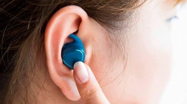 Як правильно одягати і носити вакуумні, накладні та інші навушники