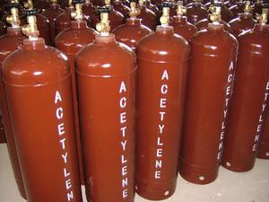 Ацетилен: застосування при зварюванні, техніка безпеки, зберігання балонів з цим газом